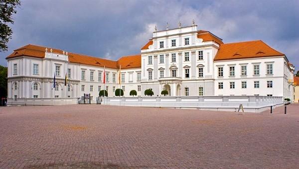 Schloss Oranienburg – Foto: Dirk Paeschke*